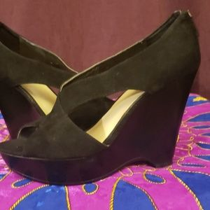 Nine West Shoes - Cute Nine West black wedge sandals